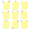 leere gelben Zettel Artikel mit Stiften