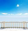 Blick auf Meer von Hotelterrasse | Stock Foto