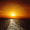Asfaltowa droga do czerwonego słońca | Stock Foto