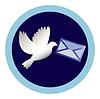 weiße Taube mit einem Brief