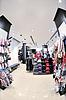 Клевая одежда в магазине | Фото