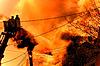ID 3435415 | Riesiges Feuer mit Feuerwehrleute in Aktion | Foto mit hoher Auflösung | CLIPARTO