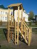 Children `s slajdów grać w pobliżu szkoły | Stock Foto