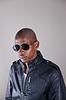 Trendy afrikanischen Mann in Lederjacke | Stock Foto