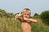 Chłopiec z procy | Stock Foto