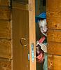 ID 3496218 | Chłopiec w drewnianym domu | Foto stockowe wysokiej rozdzielczości | KLIPARTO