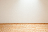 Czysty biały pokój wnętrze wiejskiej chaty | Stock Foto