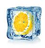 Eiswürfel und Zitrone | Stock Foto