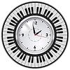 Realistische Office Clock-und Piano-Tasten