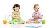 ID 3657248 | Kinder Gruppe mit Pinsel im Studio | Foto mit hoher Auflösung | CLIPARTO