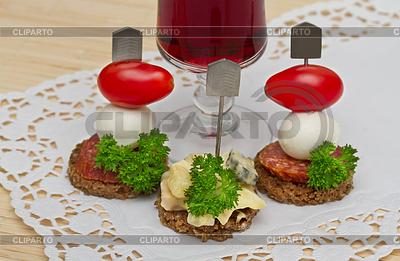 Canape stock photos and vektor eps clipart cliparto for Mozzarella canape