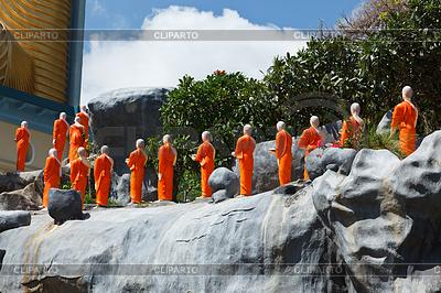 Buddhist monk statues | Foto stockowe wysokiej rozdzielczości |ID 4696628