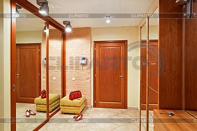 Elegance Vorraum Interieur in warmen Tönen mit | Foto mit hoher Auflösung |ID 3480696