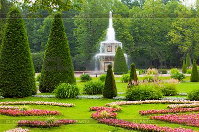 Peterhof Palace. Römischer Brunnen der Unteren Park in | Foto mit hoher Auflösung |ID 3474439