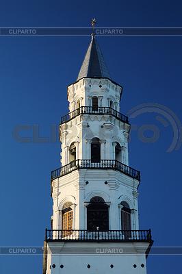 Nevjansky upadku wieży XVIII wieku | Foto stockowe wysokiej rozdzielczości |ID 3595139