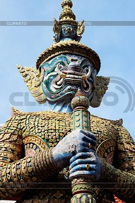 Giant posąg w świątyni | Foto stockowe wysokiej rozdzielczości |ID 3557288