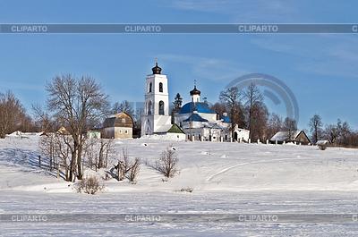 Stary rosyjski kościół w czasie zimy | Foto stockowe wysokiej rozdzielczości |ID 3702838