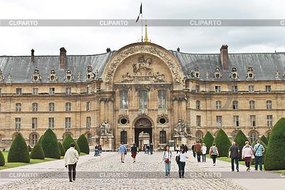 Touristen im Museumskomplex Les Invalides in Paris | Foto mit hoher Auflösung |ID 3447485