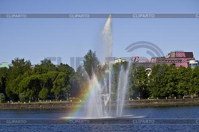 Vyborg. Brunnen am Abgrund Salakka-Lahti | Foto mit hoher Auflösung |ID 3387469