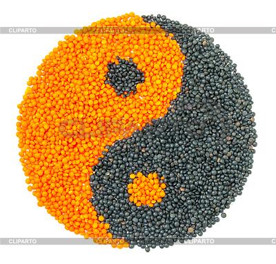 Orange und Schwarz Linsensuppe bildenden Yin-Yang-Symbol | Foto mit hoher Auflösung |ID 3498649