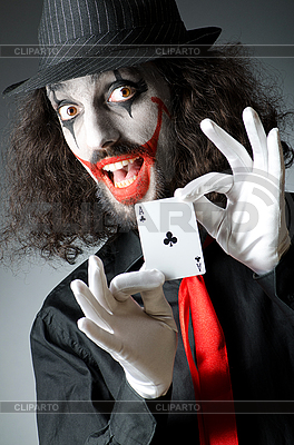 Joker mit Karten schießen | Foto mit hoher Auflösung |ID 3399188
