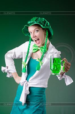 Junges Mädchen im St.-Patrick-Day-Feier-Konzept | Foto mit hoher Auflösung |ID 3664469