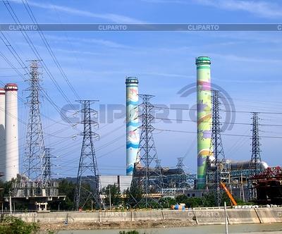 Duży kompleks fabryczne | Foto stockowe wysokiej rozdzielczości |ID 3411088