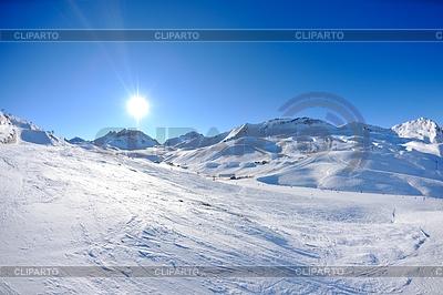 高山下了雪的冬天 | 高分辨率照片 |ID 3405219