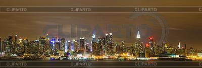 纽约市曼哈顿的天际线全景晚上 | 高分辨率照片 |ID 3438634