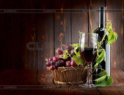 Zestaw do wina na tle drewniane | Foto stockowe wysokiej rozdzielczości |ID 3556629