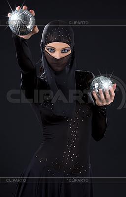 Ninja kobieta | Foto stockowe wysokiej rozdzielczości |ID 3605039