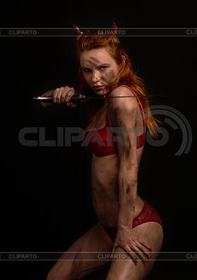 칼 어두운 붉은 악마 여자 | 높은 해상도 사진 |ID 3605748