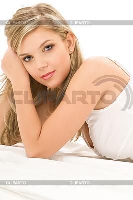 Frau in weißen Baumwoll-Unterwäsche | Foto mit hoher Auflösung |ID 3612262