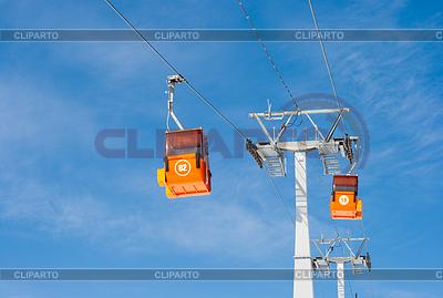 Zwei Skilift Seilbahnen | Foto mit hoher Auflösung |ID 3659958