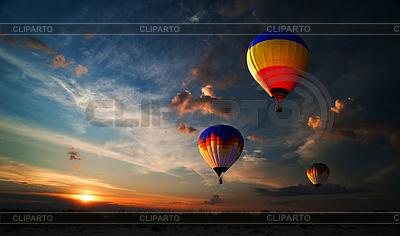Romantik des Fliegens | Foto mit hoher Auflösung |ID 3665568